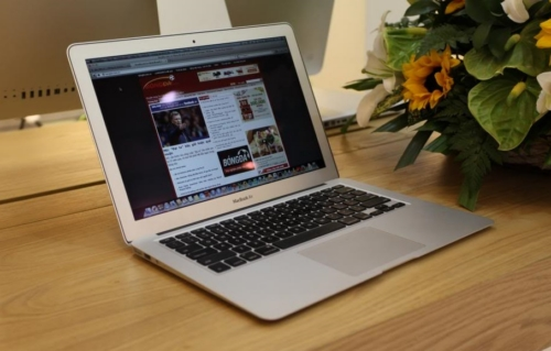 Macbook Air cũ